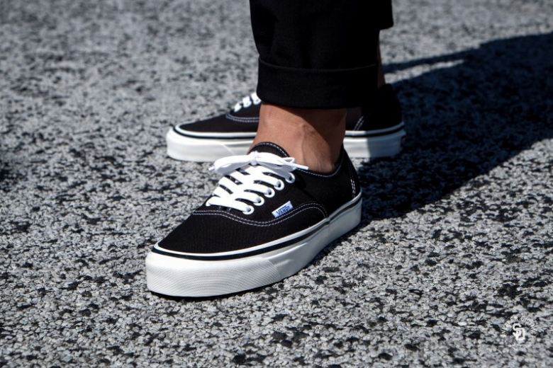 How To Lace Popular Vans Sneakers (Vans Authentic)