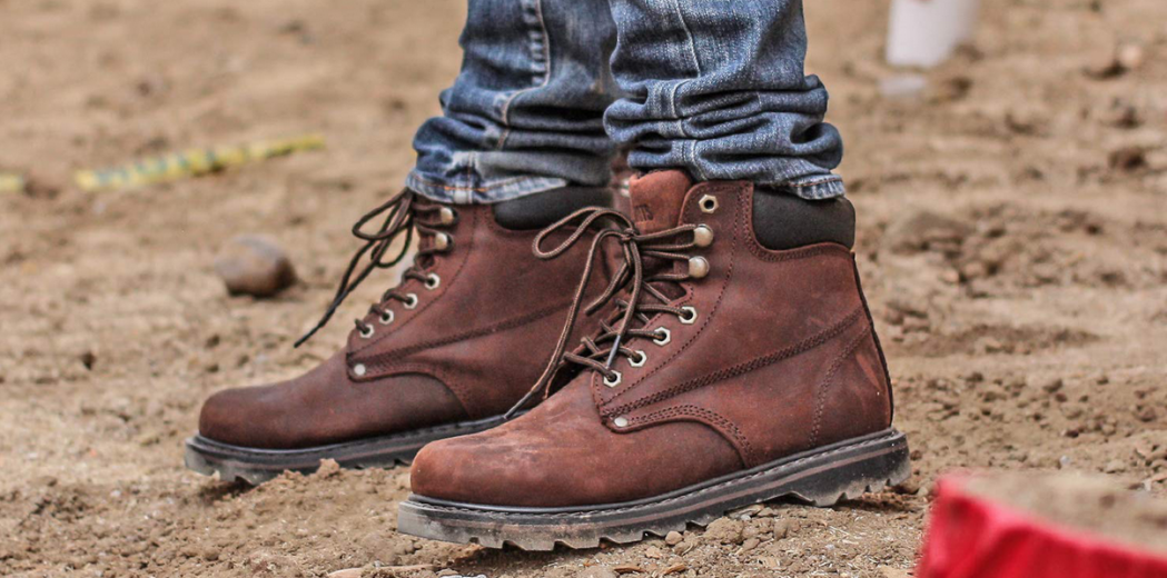 7 Types of Shoes Every Man Needs Based On Certain Occasions Part 5